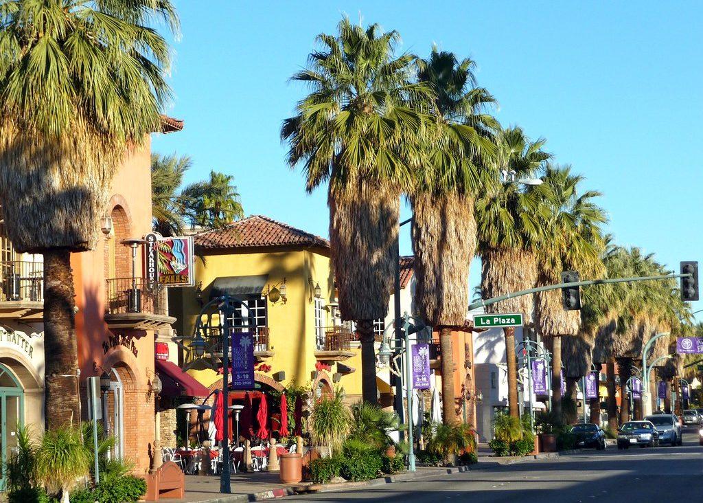 La Plaza Palm Springs