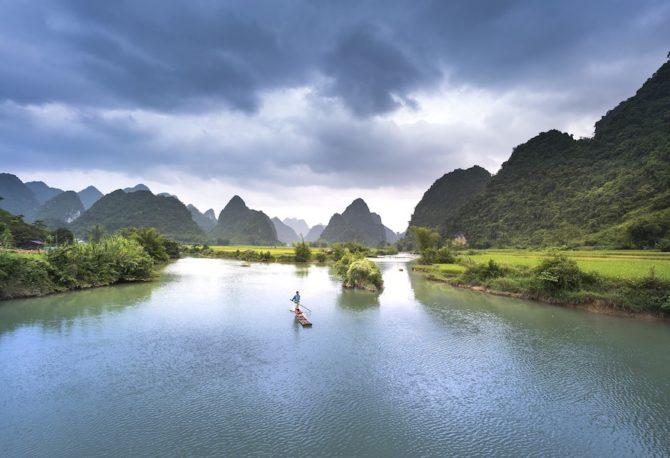 Vietnam, Fluss, Karstgebirge